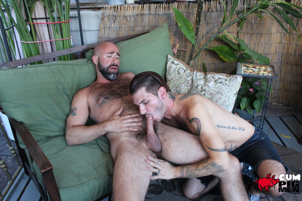 Tristan Mathews Sucks Hairy Hunk Damon Andros